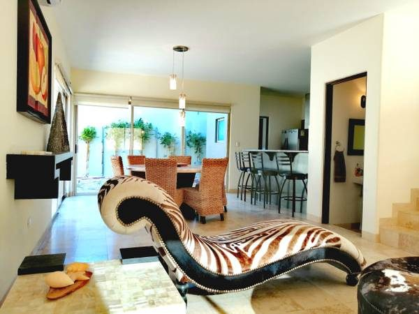 RENTING Exquisite Residence in Ventanas phase 2B.