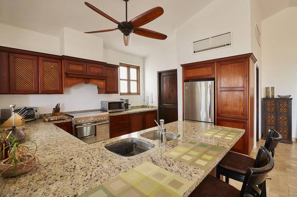 SELLING Exceptional Residence at Las Misiones.