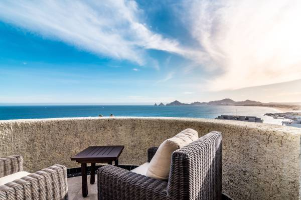 NEW LISTING! SPECTACULAR CONDO |MAJESTIC VIIEWS