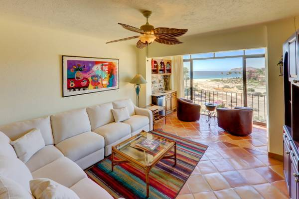 EXQUISITE CONDO COMPLETELY REMODELED!!!! -